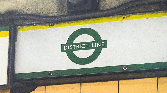 DSC 0396 - A look at some old tube roundels