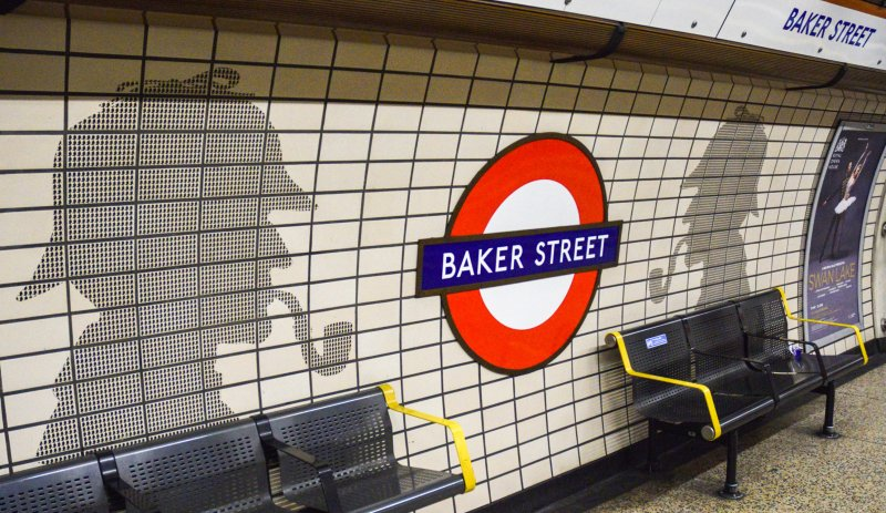 DSC 0409 - Sherlock Gnomes takes over Baker Street station!