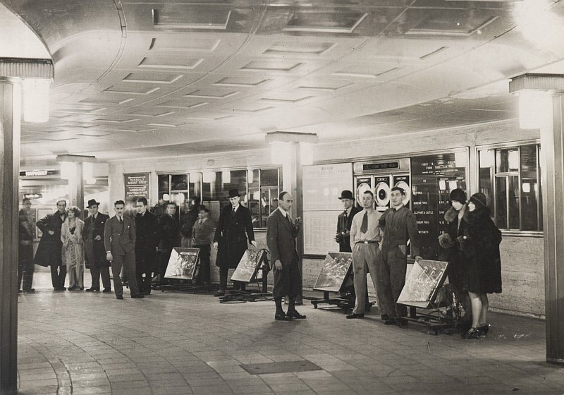 piccircold - The new Piccadilly Circus station's anniversary