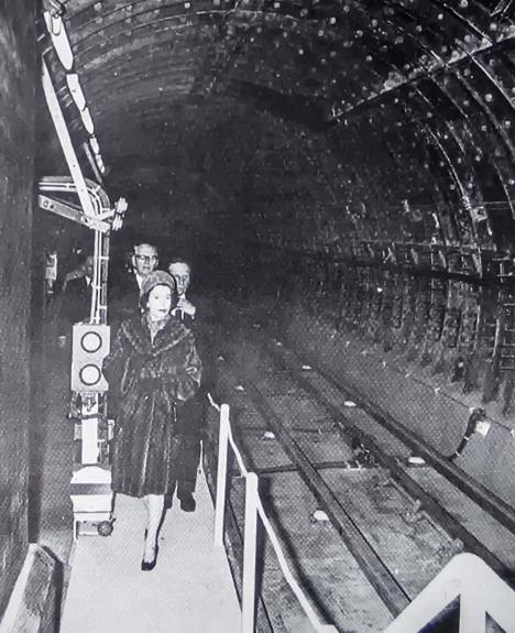 erIItunnel - Green Park, Victoria & Royal Opening 1969