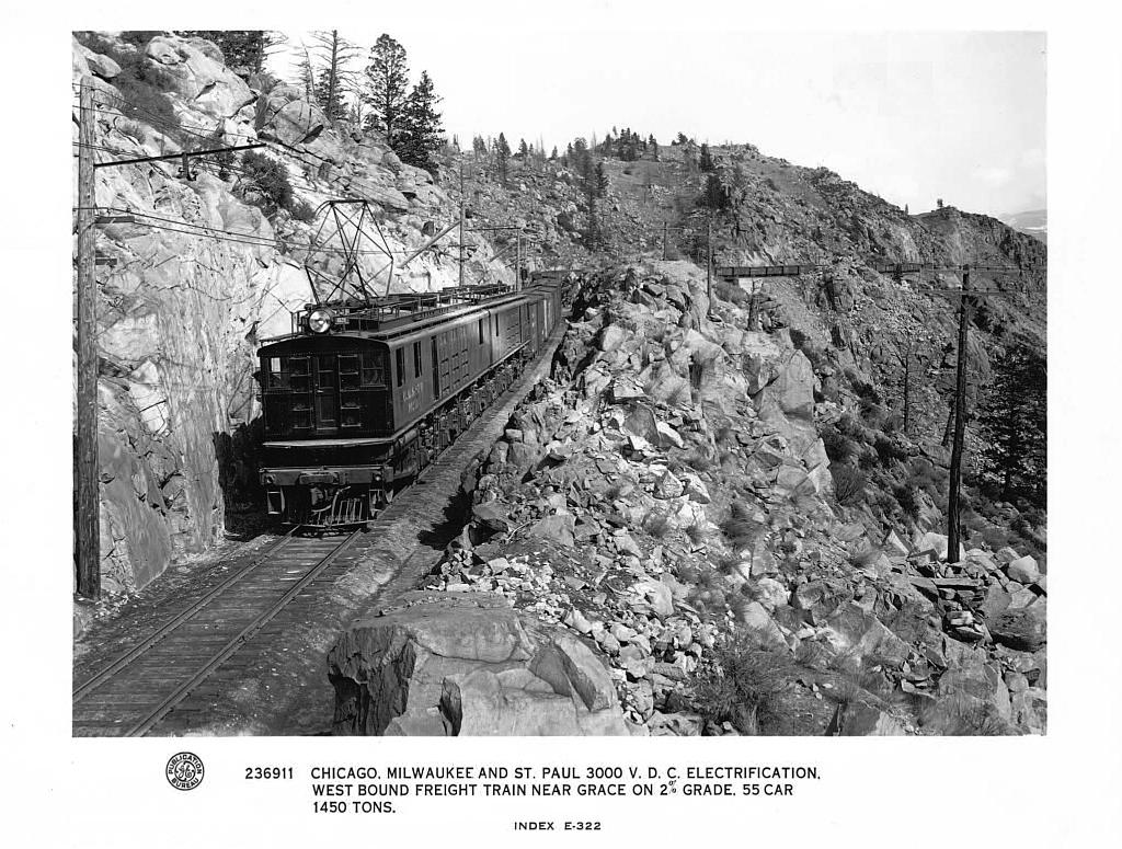 1915 GE Pressbook Photos Page 11 - Electric Railroad through the Rockies