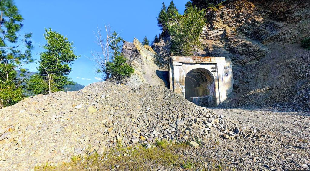 tunnel16 - Along the Milwaukee Road #2